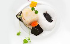 At L'Astrance in #Paris, Pascal Barbot's creativity is evident in every course.