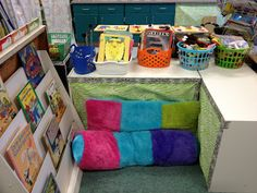 Kindergarten Classroom Library Setup - Kreative in Life Classroom Layout, Classroom Organisation, Classroom Setting, Classroom Design, Future Classroom, Classroom Decor, Classroom Management, Classroom Libraries, Organization