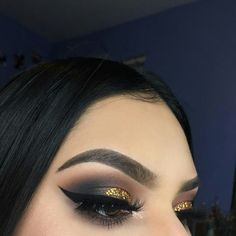// Pinterest naomiokayyy 🍑 Makeup, Beauty, faces, lips, eyes, eyeshadow, hair, colour, ombre, body, body goals, fitness, workout, ink, tattoos, nails, claws