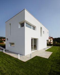 bamboo studio: cut house