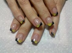 Love these Steelers nails! @Kerry Lammerding - you need team color nail boards! I bet they'll sell well!