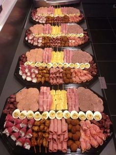 Party Trays Party Snacks Party Buffet Party Platters Appetizers For Party Wedding Buffet Food Appetizer Recipes Finger Foods Meat Trays Snacks Für Party, Appetizers For Party, Appetizer Recipes, Dinner Parties, Party Food Platters, Food Trays, Meat Trays, Party Trays, Plateau Charcuterie