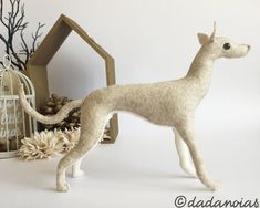 Galgo Oberón por dadanoias en Etsy #greyhound #galgo #toy #sculpture #felt #woolfet #handmade #dadanoias