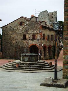 Piazza Lazzeri in Civitella