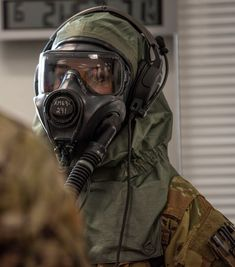 M50 Gas Mask, Scuba Diving Pictures, Gas Mask Girl, Hazmat Suit, Respirator Mask, Full Face Mask, Catwoman, Anime, Military