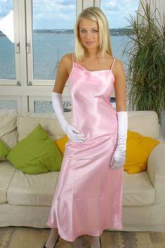 Pink Satin Dress, Silky Dress, Satin Skirt, Satin Dresses, Silk Chemise, Silk Gown, Satin Gown, Silk Satin, Pyjama Satin