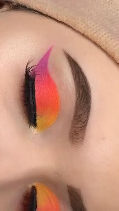 Super easy and beautiful makeup idea! Smokey Eye Makeup Tutorial, Eye Makeup Steps, Eye Makeup Art, Makeup Looks Tutorial, Skin Makeup, Eyeshadow Makeup, Red Makeup, Eyebrow Makeup, Beauty Makeup