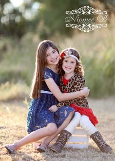 Sisters on a crate in the sunlight Photography Sister Poses, Sibling Poses, Kid Poses, Siblings, Picture Poses, Photo Poses, Picture Ideas, Photo Shoot, Photo Ideas