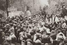 Exiliados españoles pasando la frontera hacia Francia. 1939