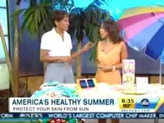 """Dr. Oz says one of his favorite anti-aging foods are blueberries. You can tell blueberries are chockfull of antioxidants because of their dark color. """"All foods with dark colors in them have some of these really protecting antioxidant chemicals in them,"""" he says. """"Blueberries lead the charge."""" Dr Oz, Healthy Summer, Dark Colors, Blueberries, Anti Aging, Foods, Sayings, Food Food, Berry"""