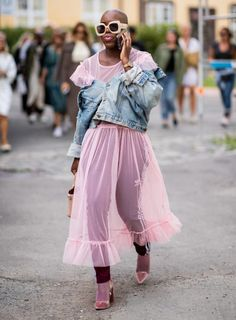 This Is by Far the Riskiest Outfit We've Seen at Fashion Week Styling a pink sheer dress with a denim jacket. Street Style Outfits, Looks Street Style, Looks Style, Mode Outfits, Fashion Outfits, Fashion Trends, Street Style Edgy, Skirt Outfits, Dress Fashion