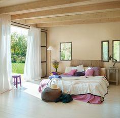 Pretty neutral and purple bedroom......CASA TRÈS CHIC: ESTILO DE VIDA NATURAL