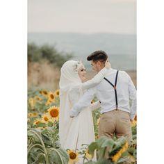 Hijab Wedding Dresses, Wedding Gowns, Wedding Story, Wedding Day, Bride Groom, Wedding Planner, Couple Photos, Couples, Life