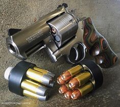 "Kentucky Ballistics na Instagramu: ""Ruger Super Redhawk Alaskan 🇺🇸🇺🇸🇺🇸 #454casull #gunchannels #revolver #wheelgun #dailybadass #gatfeed #gunsaz #dailygundose #pew #firearmsdaily…"" 357 Magnum, Rifles, 454 Casull, Shooting Guns, Shooting Sports, Bushcraft, Fire Powers, Home Defense, Cool Guns"