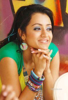 trisha-krishnan-latest-hot-spicy-photos-stills-teen-maar-14