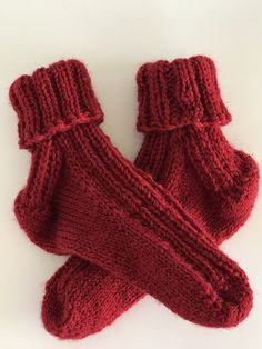 This shop is all about beautifully hand knitted socks. Knitting Socks, Hand Knitting, Warm And Cozy, 18 Months, Brick, Toe, Flat, Trending Outfits, Water