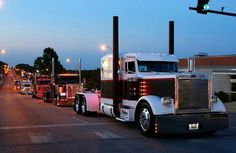 Tricked Out Big Rigs   Big Rig Show Trucks