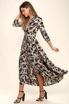 Go out and pick some wildflowers in the Amuse Society Weston Taupe Floral Print Midi Dress! An allover taupe and black floral print shapes this lightweight gauzy midi with a collared neckline, long sleeves (with button cuffs), a full button placket, and t