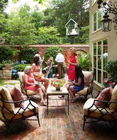 trishyrose:    Southern Brunch, love the patio furniture!              (via TumbleOn)
