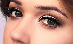 Consejos de maquillaje para mujeres que usan lentes de contacto