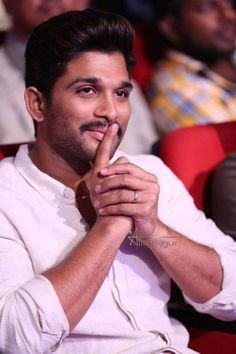 Allu Arjun Wallpapers, Telugu Movies Download, Allu Arjun Images, Galaxy Pictures, Indian Star, Wallpaper Space, Handsome Actors, Real Hero, Hd Backgrounds