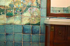 I pesci rossi di Klimt... arte riprodotta sulle tarsie smaltate turchesi! Sarà realtà o fantasia? Maro Cristiani - Pavimenti d'autore