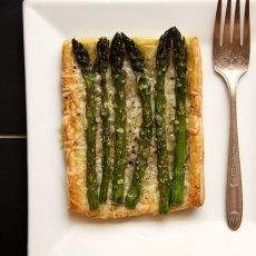 Asparagus and Gruyere Tarts - Joy the Baker I cannot wait to make these!