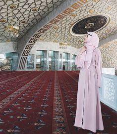 hijab, alexandra golovkova, and muslim -kuva Islamic Fashion, Muslim Fashion, Modest Fashion, Alexandra Golovkova, Muslim Wedding Ceremony, Hijab Abaya, Beautiful Hijab Girl, Islam Women, Hijab Style