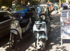 Dillo a #NapoliTime  Vomero: marciapiedi occupati da motocicli