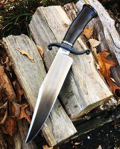 Lin Rhea knives