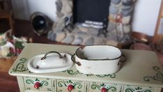 Dollhouse Artisan Mary Carson Hammer Smith miniature Enameled Roasting Pot 1:12 #HammerNSmith
