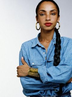 black chicks with freckles= Singer Sade Adu Sade Adu, Quiet Storm, Divas, Black Is Beautiful, Beautiful People, Beautiful Women, Easy Listening, Photo Star, Black Chicks