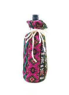 Judith March Aztec Jacquard Wine Bag (Black Ground) – DejaVu