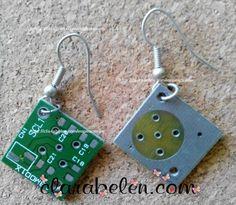 Pendientes o aretes hechos con placas de circuito integrado - Inspiraciones: manualidades y reciclaje