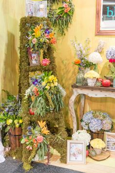 Bespoke Blooms Stand-Wedding Expo April Photo by Kate Pleasants Bespoke, Bloom, Events, Colorful, Table Decorations, Flowers, Wedding, Furniture, Home Decor