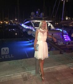 Club VIP: Silvia, de veraneo con total look de Queens Boutiques. - Queens Boutiques Boutiques, Vip, Queens, Club, Formal Dresses, Fashion, Summer Photography, Boutique Stores, Dresses For Formal