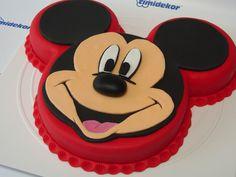 Disney Themed Cakes - Mickey Mouse fondant cake