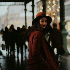 red coat, red, people, city, fashion, model, city model, moscow, photo shoot, shooting, photo session, lights, evening, вечер, Москва, город, огни, модель, красное пальто, пальто, шляпа, фотосессия