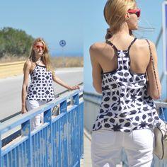 """Síguenos también en Facebook """"Pura Ilusión"""" #look #outfit #girl #follow #moda #ropa #vestido #blusa #bicolor #bn #blog #tienda  #ilusion #lookoftheday #fashionblog #fashionblogger #cool #style #sales #trendy #ilusion"""
