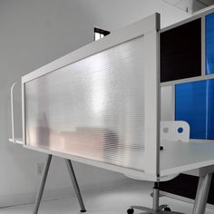 4' Desk Privacy Screen with Translucent Panel