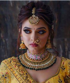 Indian Bridal Photos, Bridal Hairstyle Indian Wedding, South Indian Bridal Jewellery, Indian Wedding Makeup, Bridal Hair Buns, Indian Wedding Bride, Indian Bridal Outfits, Indian Bridal Fashion, Bengali Bridal Makeup