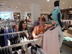 Die #Shopping-Tour unter Anleitung von #Stilberaterin beginnt. #Styling #Stilberatung #Reutlingen #Zinser