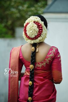 South Indian Wedding Hairstyles, Bridal Hairstyle Indian Wedding, Bridal Hair Buns, Bridal Braids, Bridal Hairdo, Indian Bridal Fashion, Indian Wedding Outfits, Indian Hairstyles, Braided Hairstyles