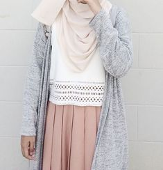 Ootd and more of my friends, the loveliest bunch ✨ hijabi fa Modern Hijab Fashion, Casual Fashion Trends, Street Hijab Fashion, Hijab Fashion Inspiration, Muslim Fashion, Look Fashion, Skirt Fashion, Fashion Outfits, Fashion Muslimah