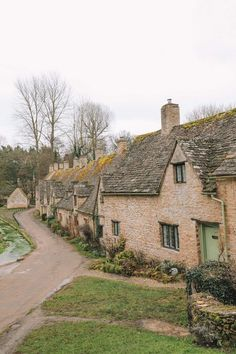 4 Villages And Towns You Have To Visit In The Cotswolds, England (9)