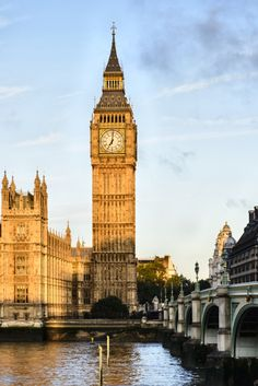 48 London Neighborhoods: A Quick Reference Guide