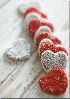 More heart cookies.for Valentines Day Citation Saint Valentin, Menu Saint Valentin, Saint Valentine, Happy Valentines Day, Valentine Stuff, Funny Valentine, Jar Of Hearts, Sweet Hearts, Strawberries