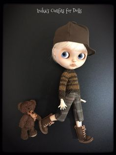 This Listing includes: brown cotton hat with visor. Iceland wool sweater made of brown lines. Shorts plaid in shades of brown.   Is not included: Doll Shoes socks Little Bear (Minou creations)  This is a creation made by hand. No refund is payable.