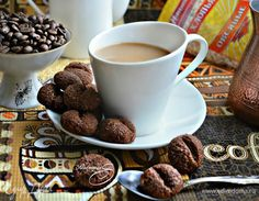 Печенье «Кофейные зерна» (постный вариант). Ингредиенты: овсяные хлопья быстрого приготовления, какао-порошок, сахар