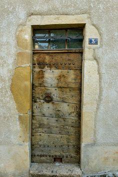 #Florac #villageétape #LangudocRoussillon #Lozere #cevennes #maisonsdusud #porte